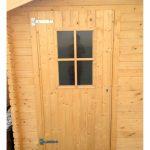 Casetta in legno esterno porta