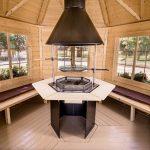 Casetta in legno MINERVA panche e barbecue interno