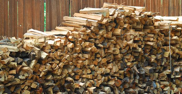 legna accatastata legnaia