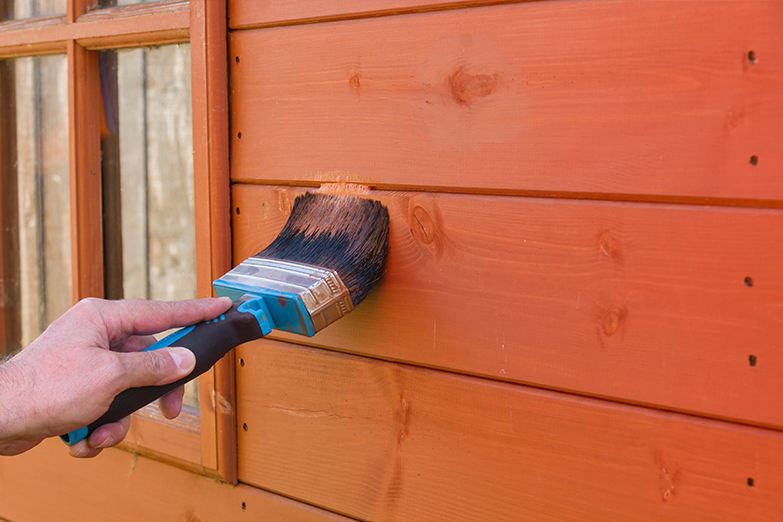 Trattamento e tinteggiatura delle superfici in legno